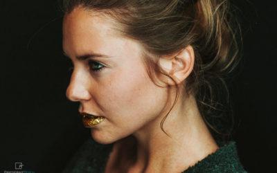 GOLDENE LIPPEN | Portrait Elisa