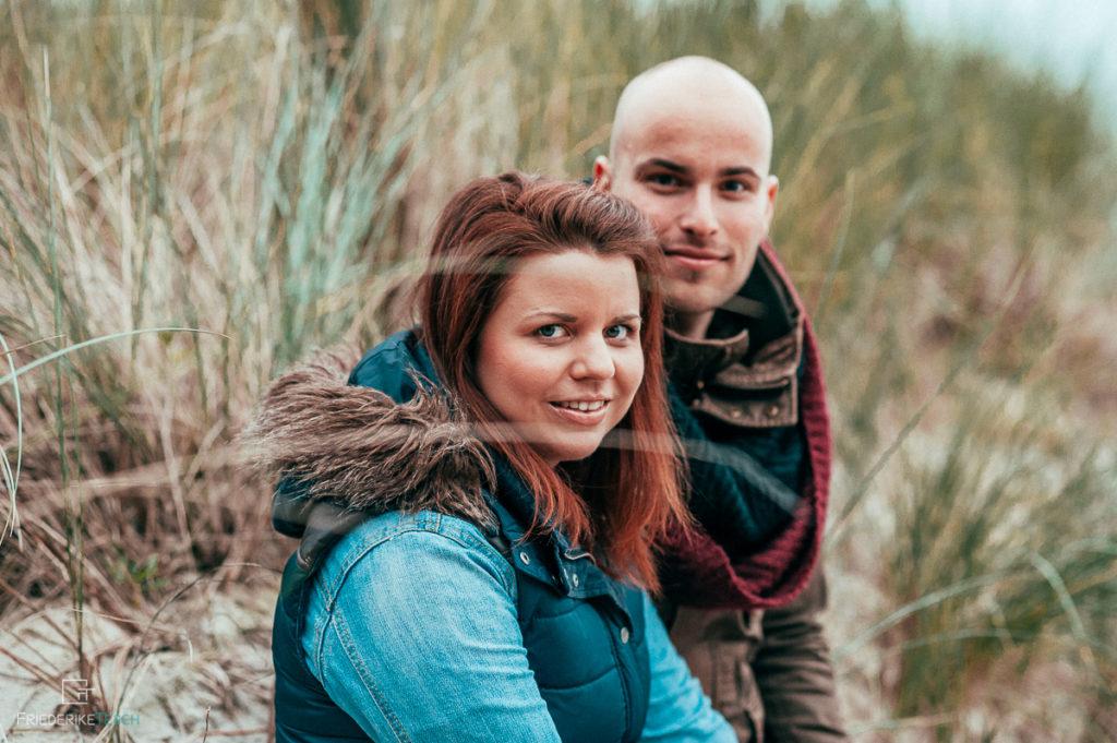 Paarshooting an der Ostsee, am Meer - natürlicher Fotograf in Rostock - 9